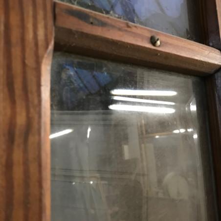 Vieille porte en bois de récupération