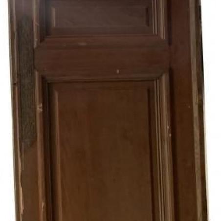 Ancienne porte verte de placard en bois