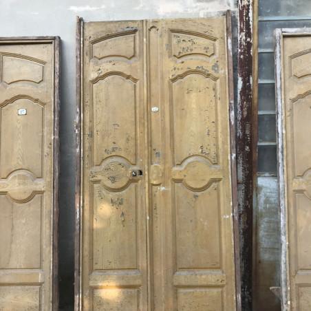 Ancienne porte ferronnerie avec verre cathédrale