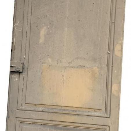 Porte ancienne moulurée
