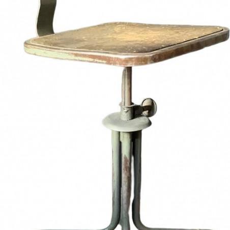 Chaise cuir et pieds sculptés
